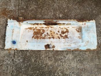 Used Engine Lid 73-76.  Scruffy and needs work.