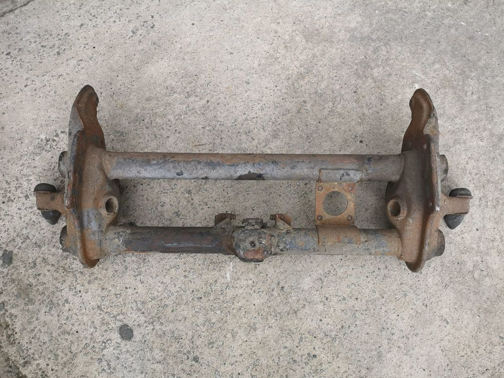 LHD Servo Front Beam 8/70-79.    211-400-035AL