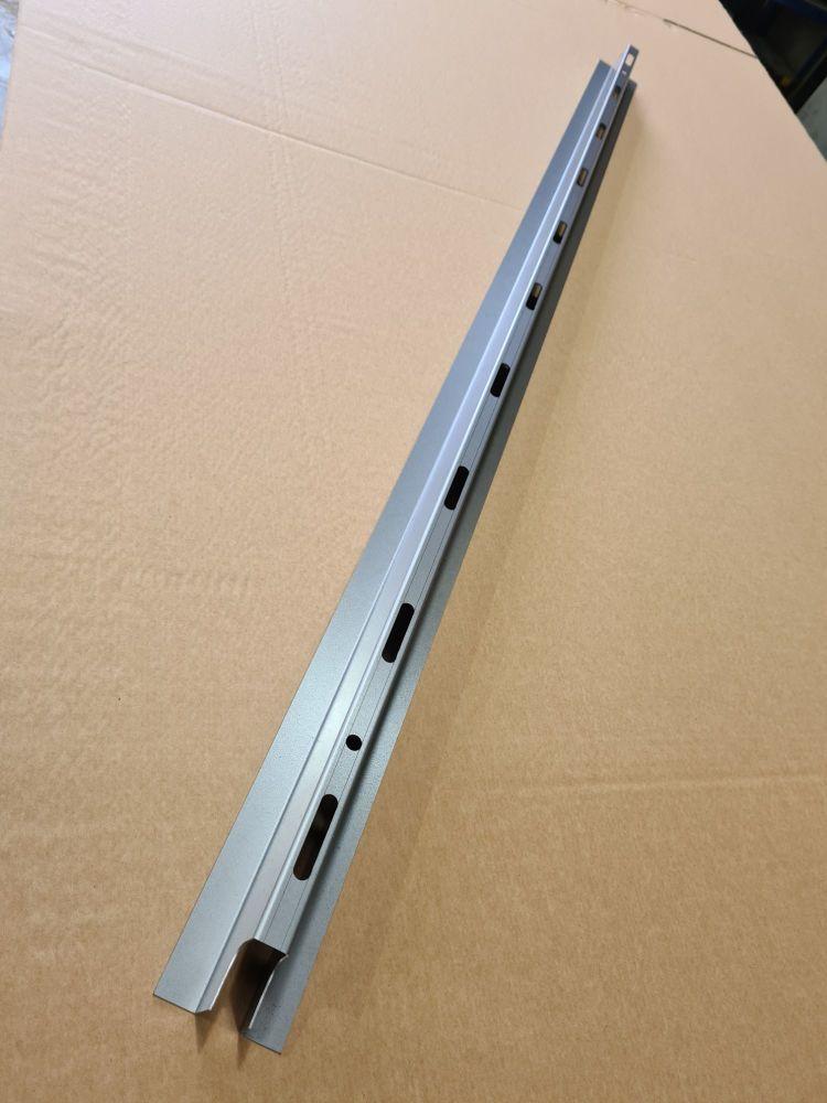 Centre Side Panel Inner Strengthener, Fits Left or Right 80-91.   251-809-1