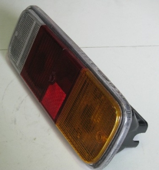 Rear Light Unit Complete 72-79.   211-945-241DR