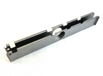 Barndoor Front Centre Section 50-55.   211-703-391