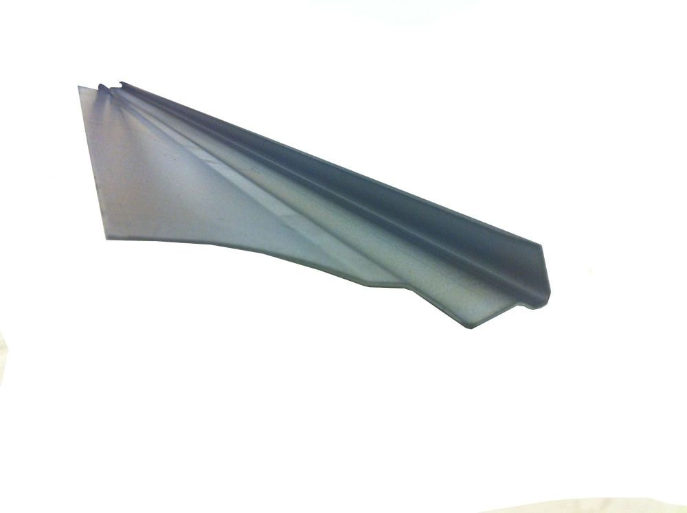 Gutter with Roof Repair Section 1.25m 68-79.   211-817-310A