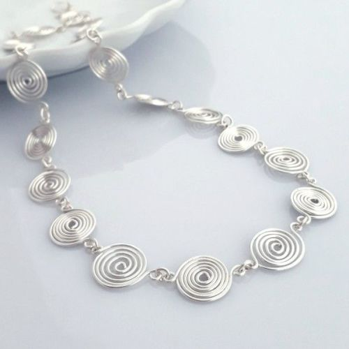 Silver open and closed Spiral Necklace