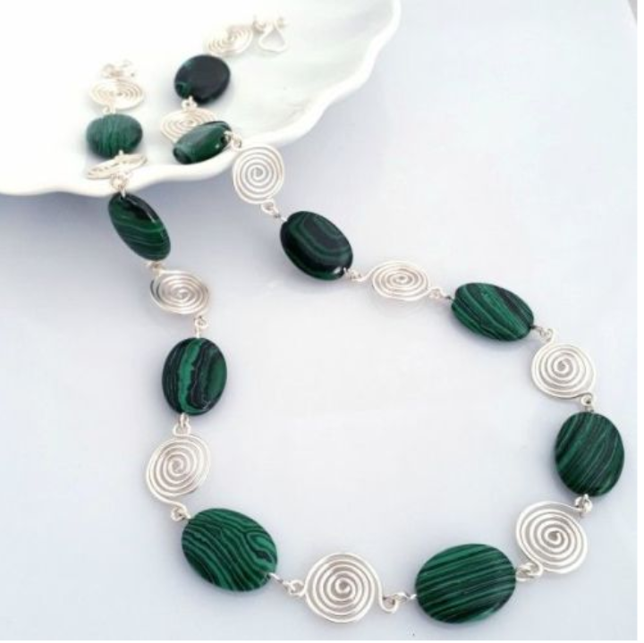 Green malachite necklace s1