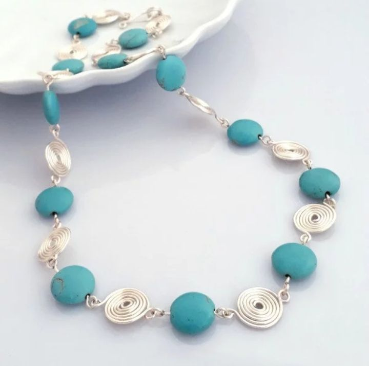 Turquoise spiral necklace 2