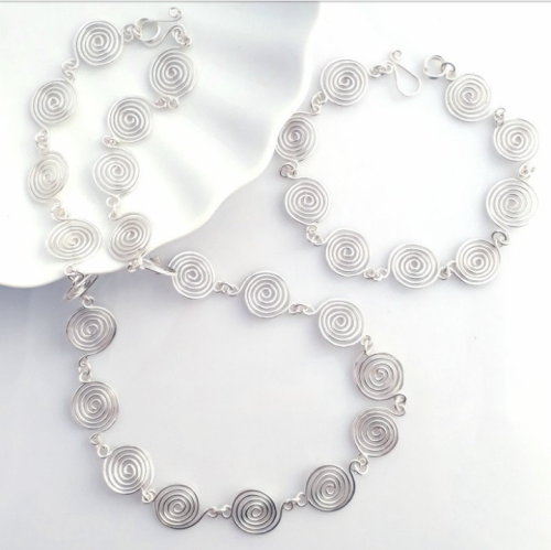 2 Open and Closed spiral Set Necklace and Bracelet