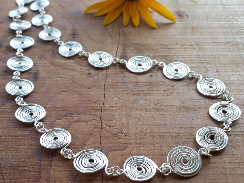 Closed Silver spiral necklace