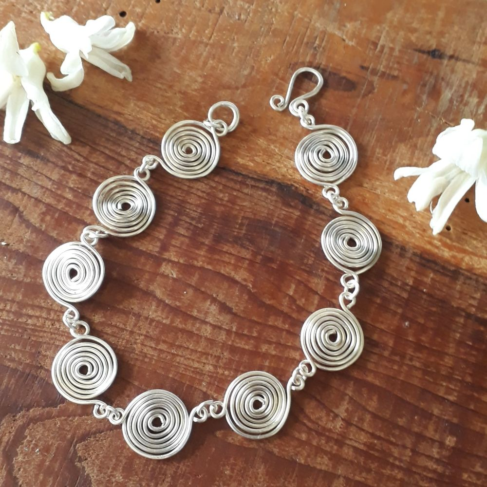 Closed Spirals bracelet