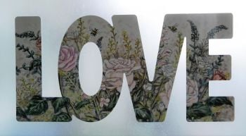 Word Art - Love - Heartbreak Flowers