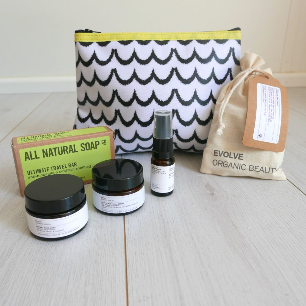 <!-- 006 --> WASH BAGS | GIFT SETS