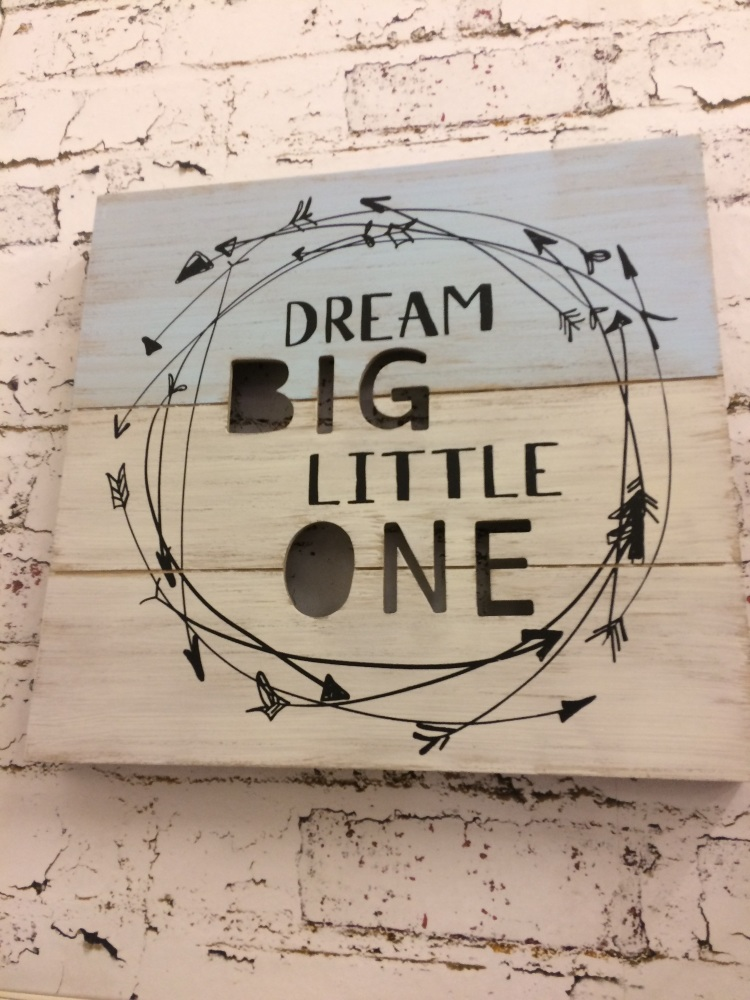 dream big little one wall hanging