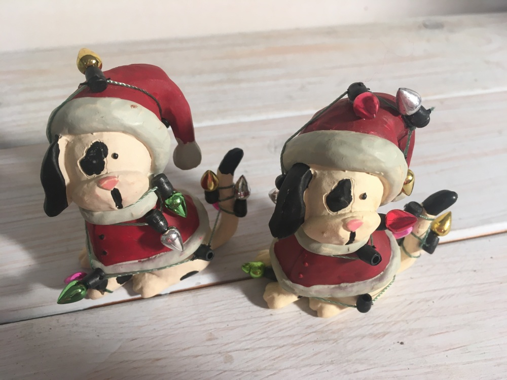 Pâr o gwn Nadoligaidd - Pair of Festive Pooches