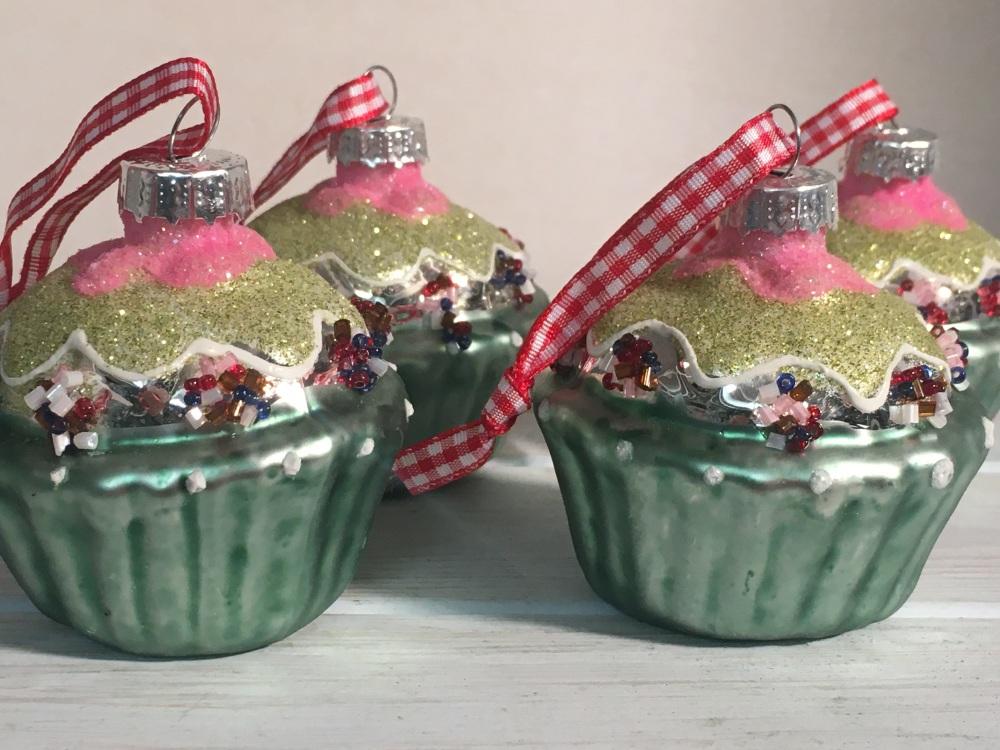 Set 4 addurn cacen - cupcake decoration