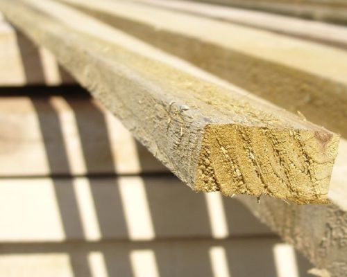 fence battens in 2 lengths from