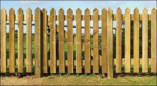 Pointed top palisade from;