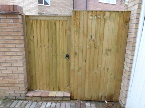 Flat top Closeboard Gate