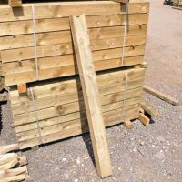 1.2m V Cut Fence Post (5'x5')