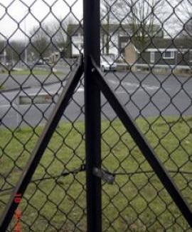 Black 2 way corner post for chainlink from