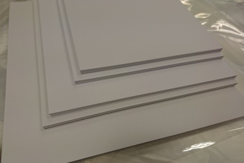"125mm x 125mm (5""x 5"") 20 pack of 300gsm White Mat & Layer Card Cuts"