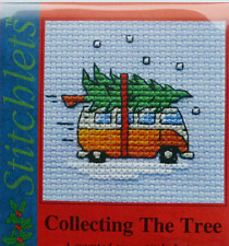 Mouseloft Christmas - Camper van collecting the tree