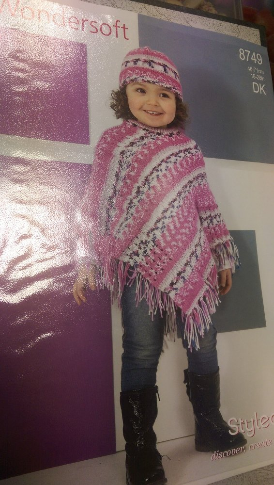 8749 - Poncho & Hat - Wondersoft DK *Knitting Pattern