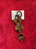 Llwy Garu /  Love Spoons  (46M)