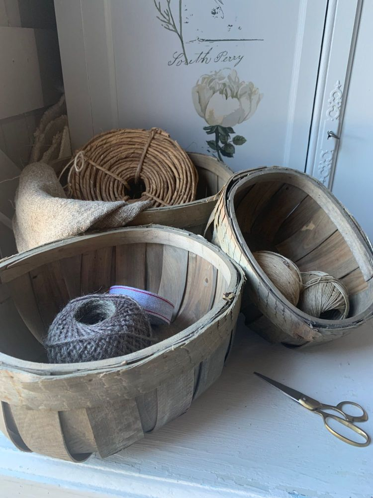Set of 3 wood chip baskets