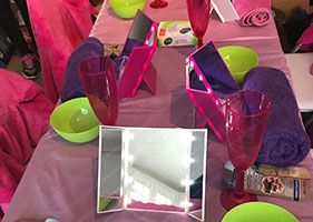 Girls-pamper-and-spa-parties---table-set-up