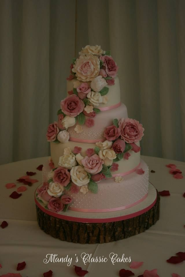 Country Garden Wedding Cake (Tish).jpg