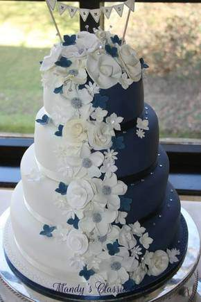 blue and white weddig cake