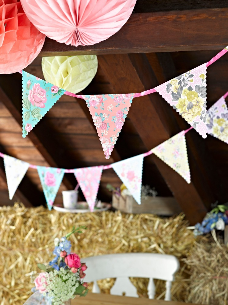 Truly Scrumptious Charming Chintz Floral Bunting