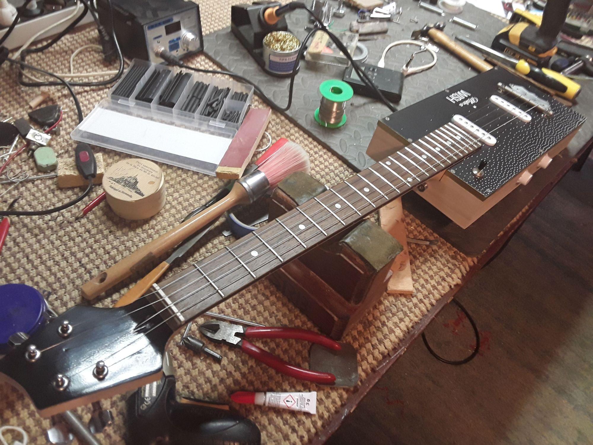 Coffee box guitar