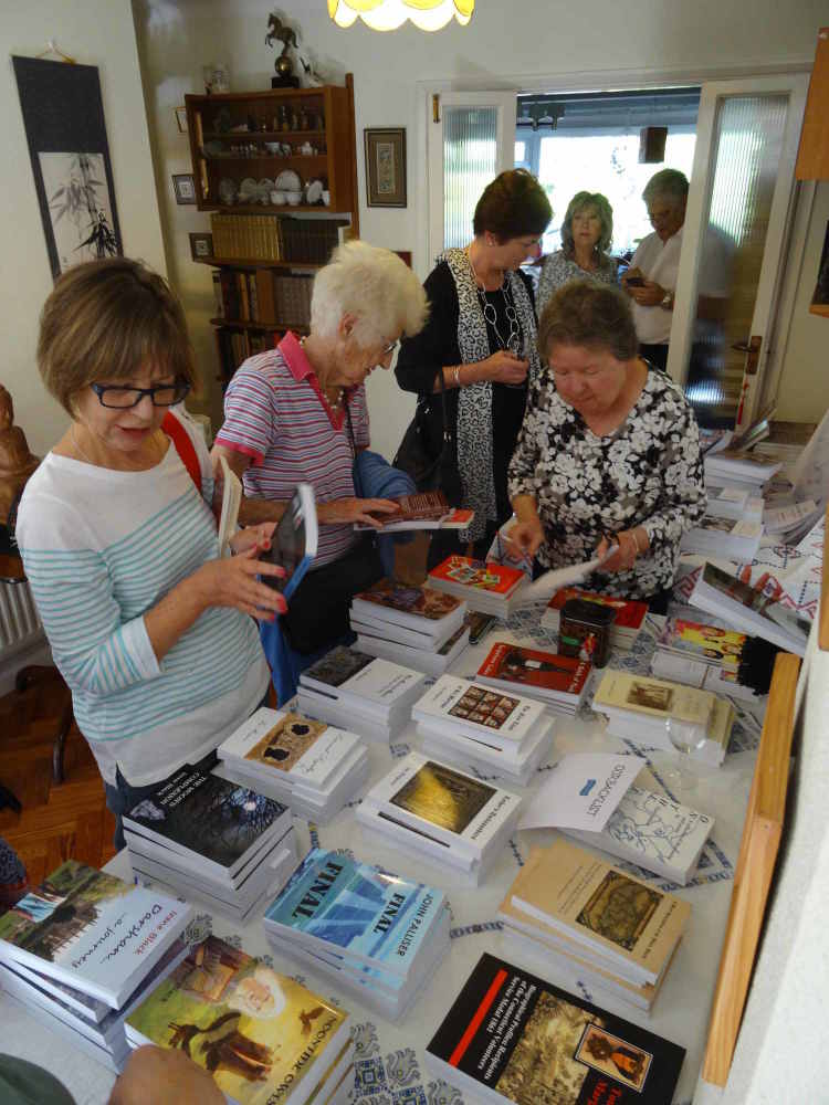 Launch 2016 book buying