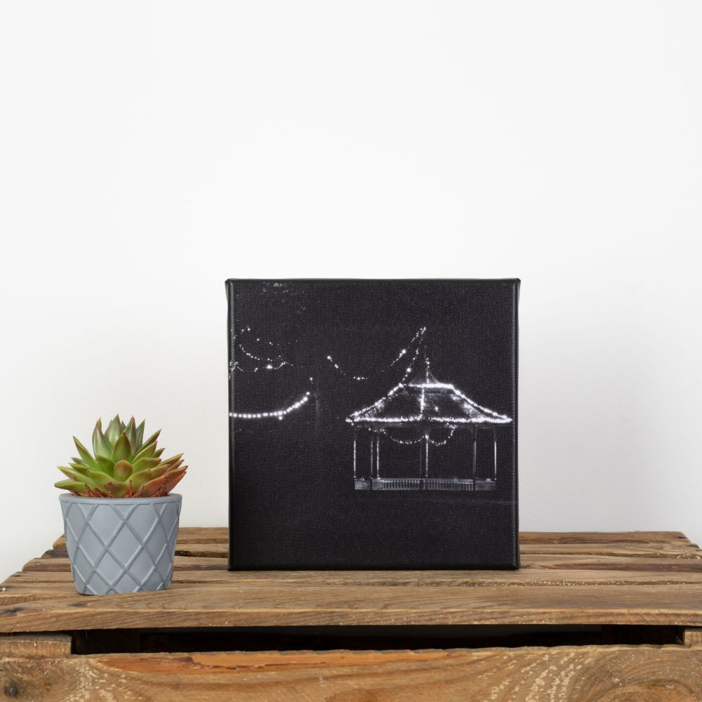20x20cm canvas - Bandstand at night