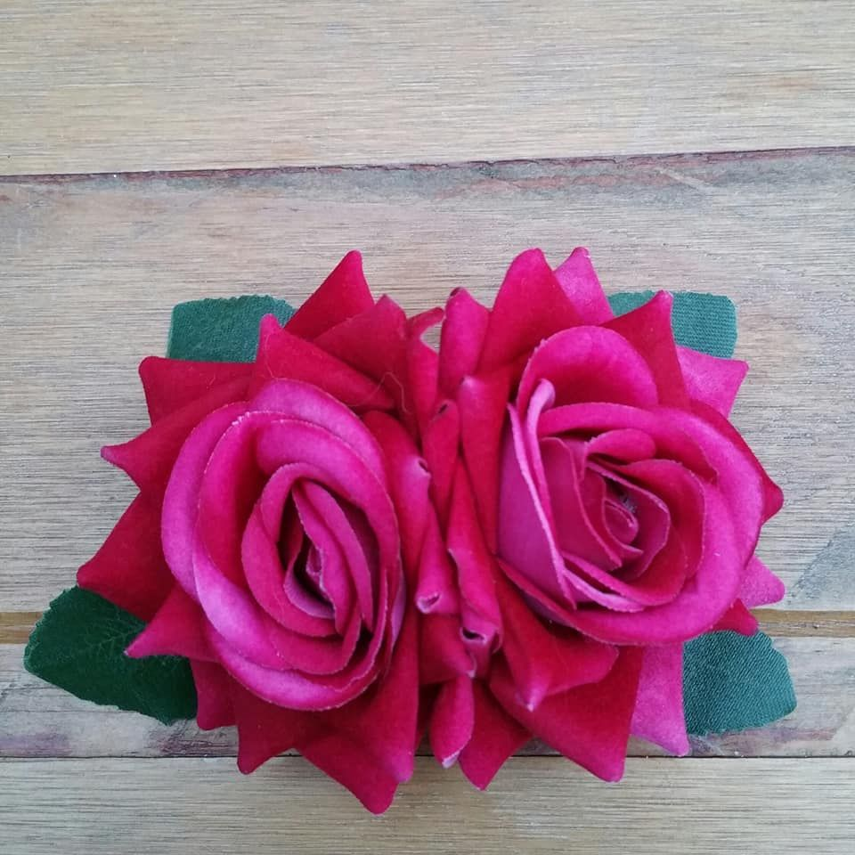 Small Double Rose Hair Clip, Hand Made, 1940's Style in Pink Velvet With Gr