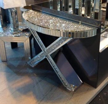 "*Diamond Crush crystal Sparkle Curved ""X"" Console Table instock for a fast delivery"