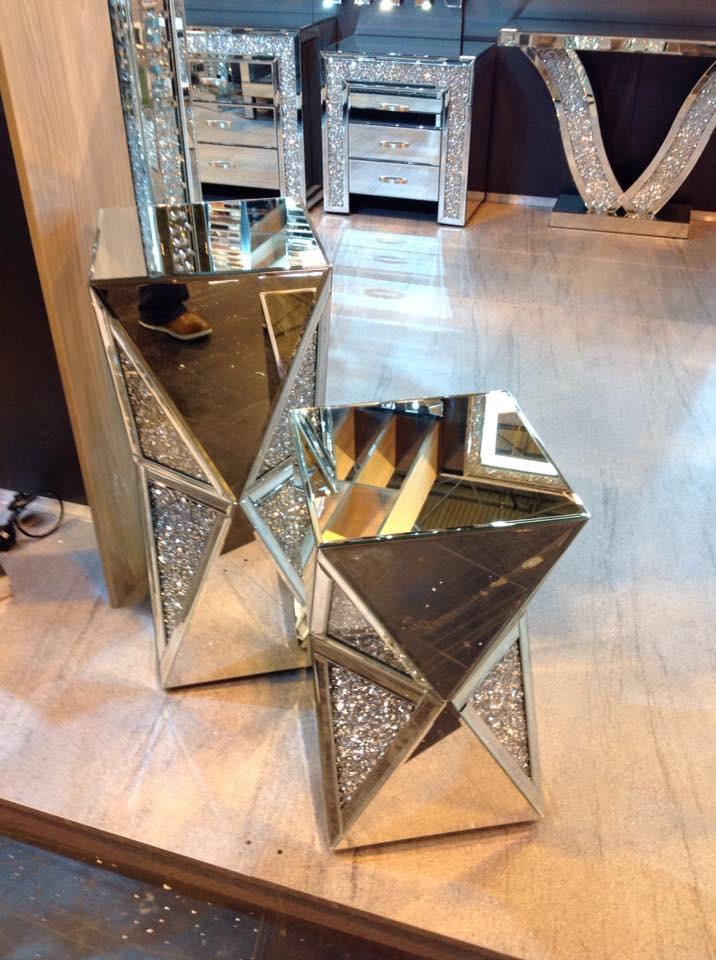 Diamond Crush Crystal Sparkle Double Twist Lamp Table Small