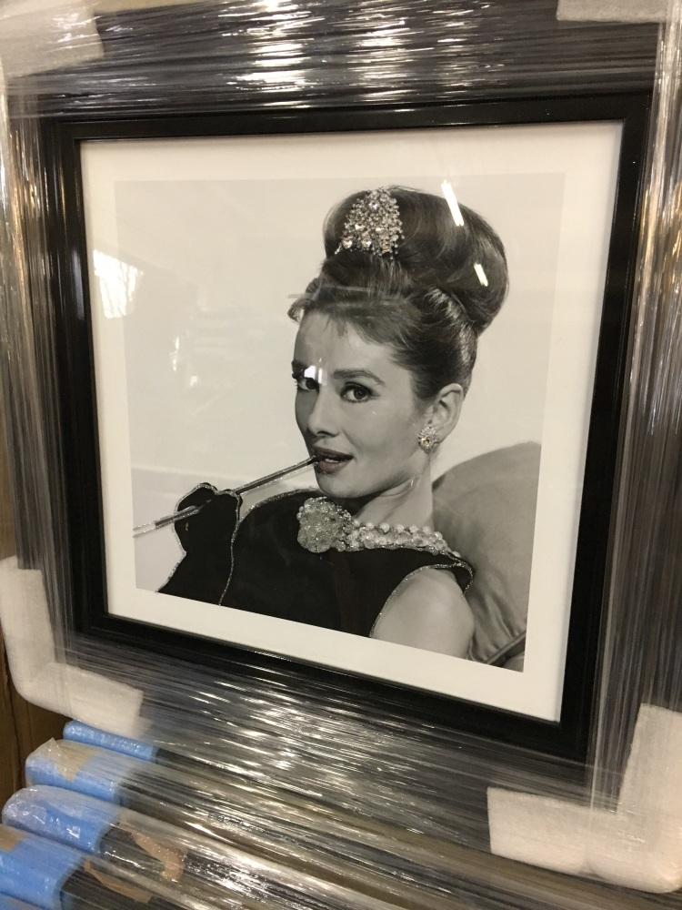 Mirror framed smoking Lady Wall Art