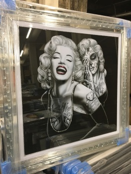 """Marilyn Monroe Glamour' Wall Art in Mirrored Floating Cystals Frame"