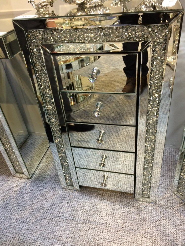 New Diamond Crush Sparkle Crystal Mirrored 5 Draw Chest