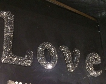 "*Sparkle Mosaic Crush glass Letters ""Love"" medium"