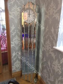 *** New Mirrored Diamond Crush Floor Standing Art Deco Manhatten clock in stock