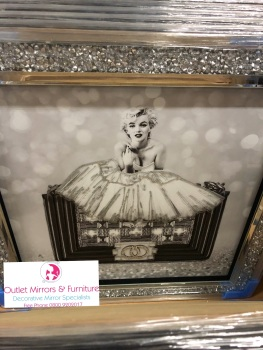 """Hand Bag Pose"" Wall Art in a diamond crush mirrored Frame"