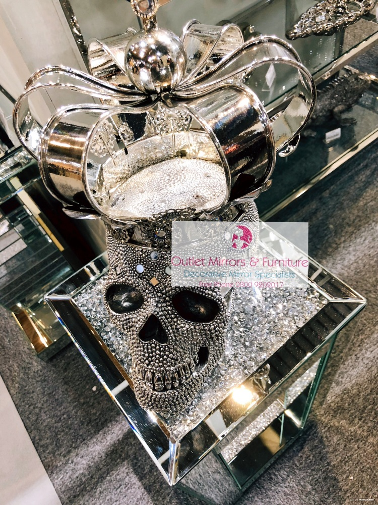 Jewel King Crown Skull 39.5cm high