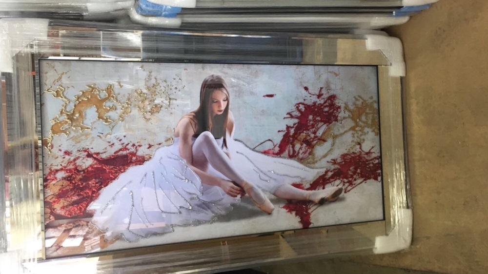 Mirror framed Glitter Lady 2 Wall Art 114cm x 66cm