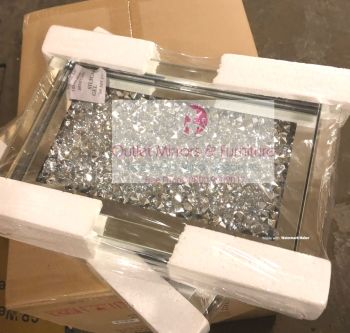 """ New Diamond Crush Mirrored Tray item in stock 33cm x 21cm"