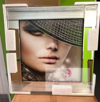 "Mirrored framed Liquid Art ""Glamour Lady 1"""