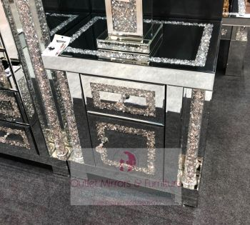 * Diamond Crush Sparkle Pillar Mirrored Bedside Chest