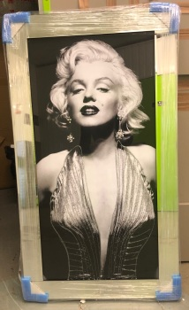 "Mirror framed ""Monroe"" Wall Art"