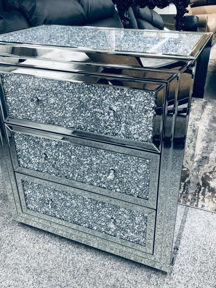 * Diamond Crush Crystal Mirrored 3 draw Large Chest with crush top and draw